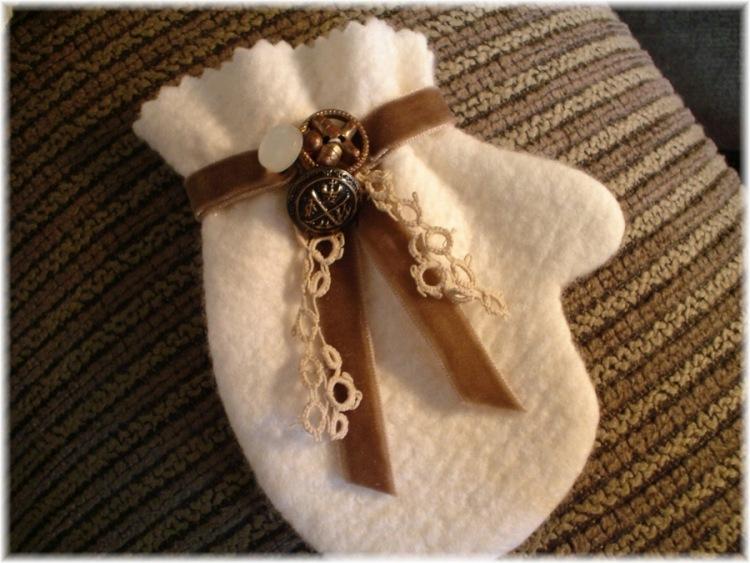 Декоративные рукавички своими руками