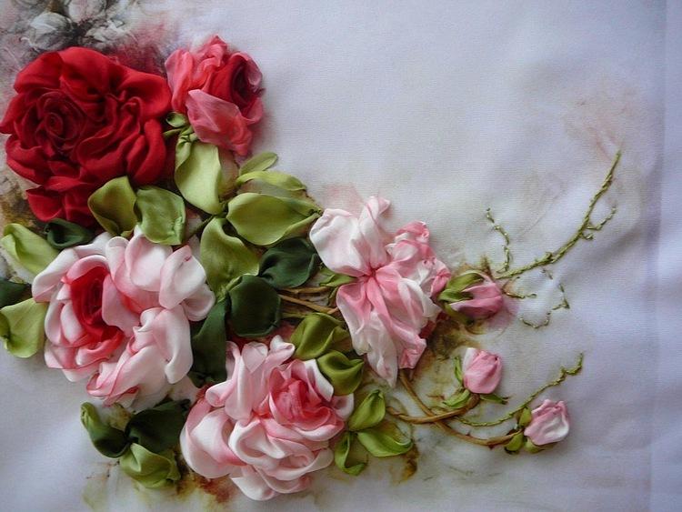 Вышивка лентами розы с листьями от мастера шепилова 59