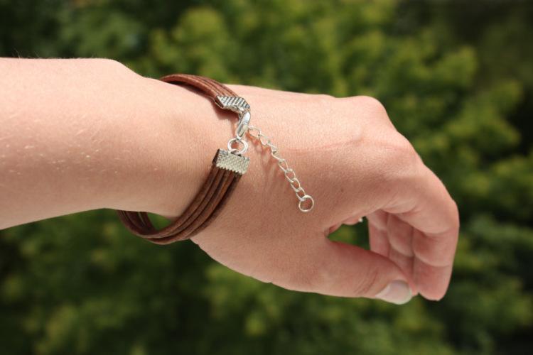 Кожаные браслеты застежка