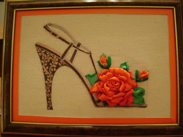 Вышивка лентой туфелька